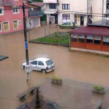 Izlile se rijeke, mještani spašavaju stoku, izdato narandžasto upozorenje