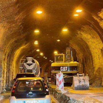 U toku radovi na tunelima Ivan i Crnaja, saobraća se jednom trakom